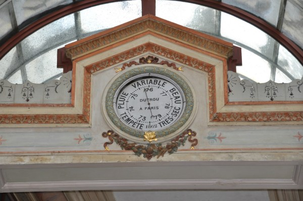 Weather Clock Passage Bourg l'Abbe
