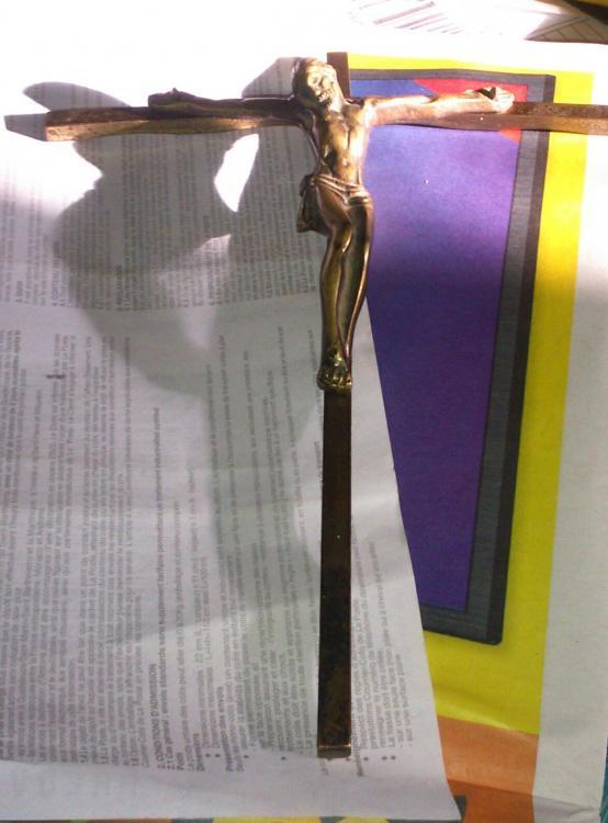 Troc Echange Croix Avec Jsus En Laiton Sur