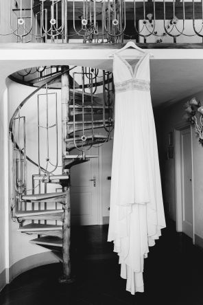 Amazing bride dress in black and white | Villa la palagina resort