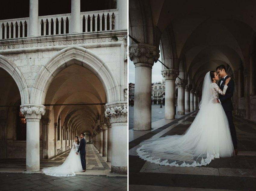 venice wedding photographer / sunrise pre wedding / Bridal couple connection