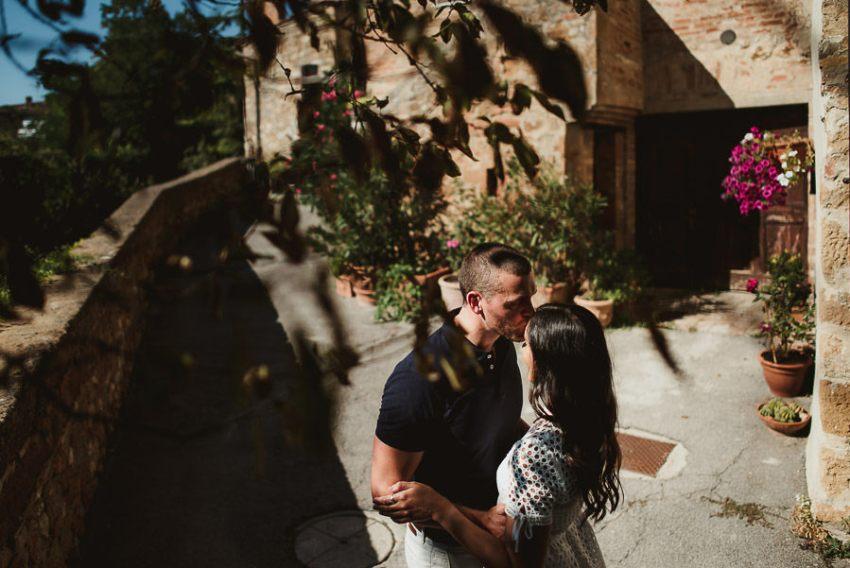 Wedding proposal inspiration creative portrait in tuscany