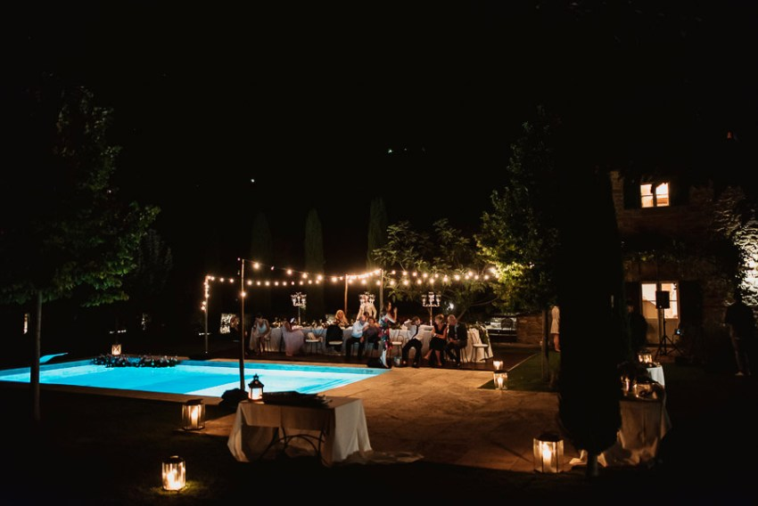 Villa wedding cortona dance party pool golden light