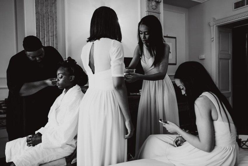 Sirmione Wedding photographer bride getting ready bridal party