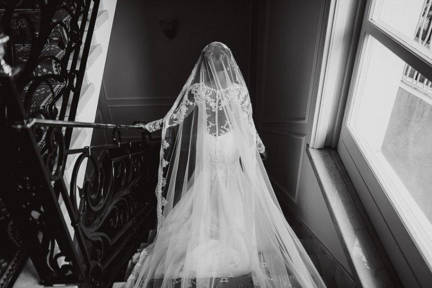 Sirmione Wedding photographer wedding dress