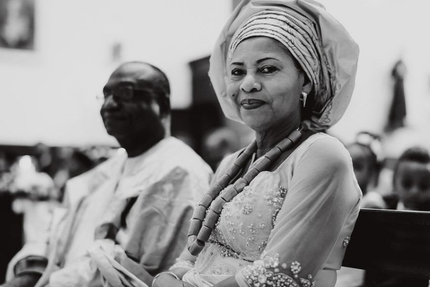 Sirmione Wedding photographer typical africa wedding dress