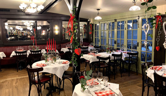 Saint Valentin Au Restaurant La Mere Catherine Montmartre