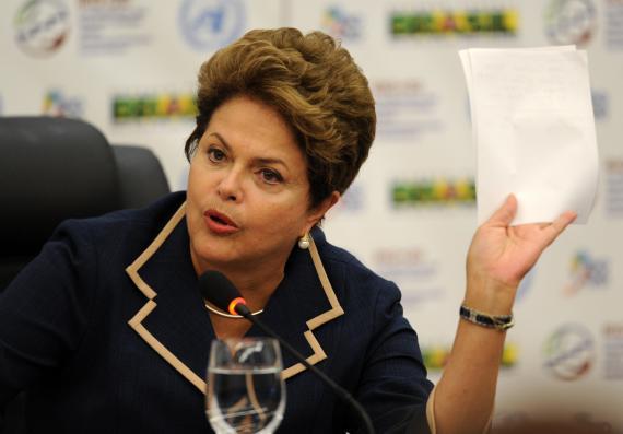 Dilma Rousseff lors d'une conférence du sommet de Rio+20, le 22 juin 2012 à Rio de Janeiro (Brésil).