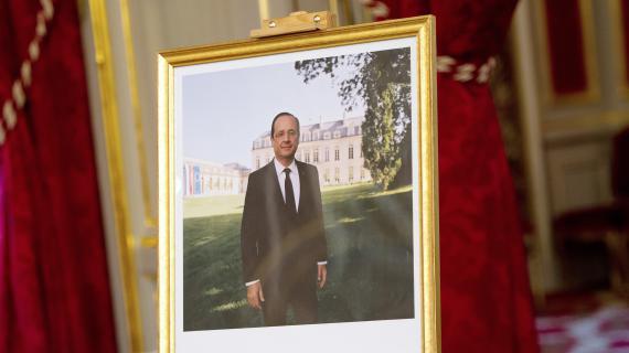 Le portrait officiel de François Hollande lors de sa présentation à l'Elysée, le 4 juin 2012.