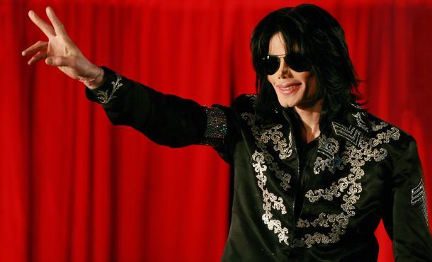 Le chanteur Michael Jackson, lors d'une de ses dernières apparitions publiques, le 5 mars 2009, lors d'une conférence de presse à Londres (Royaume-Uni).