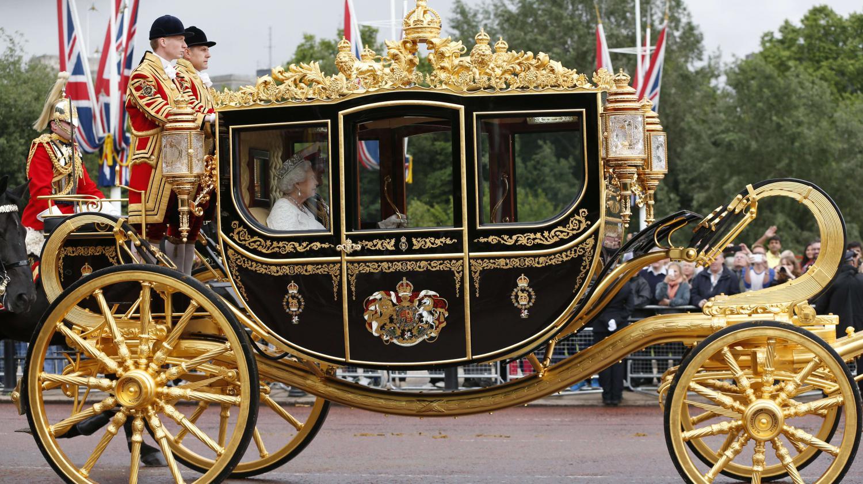 royaume uni un nouveau carrosse a 3 5 millions d euros pour la reine