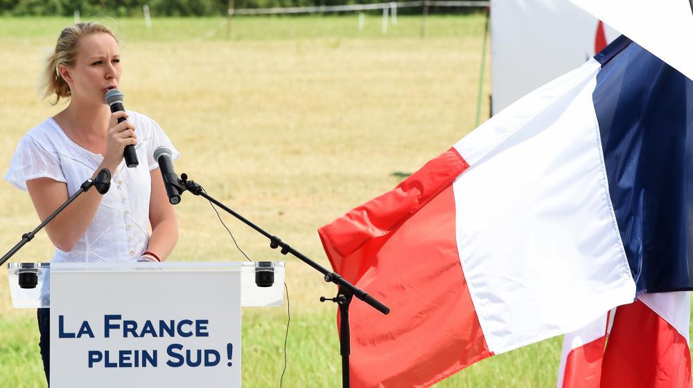 La députée Front national Marion Marechal-Le Pen s'exprime lors d'un meeting, le 5 juillet 2015, au Pontet (Vaucluse).