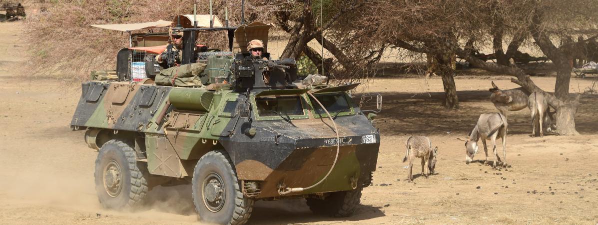 Des soldats français mobilisés dans l'opérationBarkhane, le 10 mars 2016, àTimbamogoye(Mali).