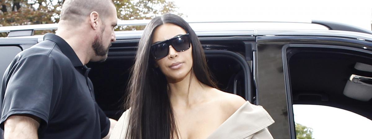 Kim Kardashian et son garde du corps à Paris, le 2 octobre 2016, avant le braquage dont a été victime la star de la téléréalité.