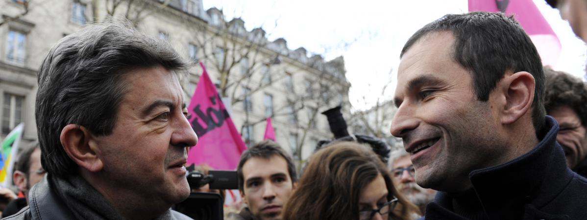 Jean-Luc Mélenchon et Benoît Hamon, à Paris, le 21 janvier 2010.