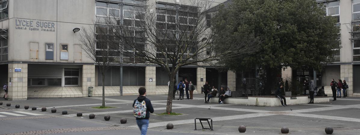 Le lycée Suger, à Saint-Denis (Seine-Saint-Denis), trois jours après les violences qui ont abouti à la garde à vue de 55 élèves, le 10 mars 2017.