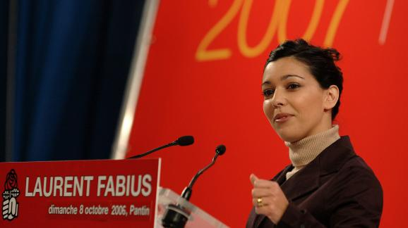 Sophia Chikirou lors d\'un meeting de soutien à Laurent Fabius, le 8 octobre 2006, à Pantin (Seine-Saint-Denis).