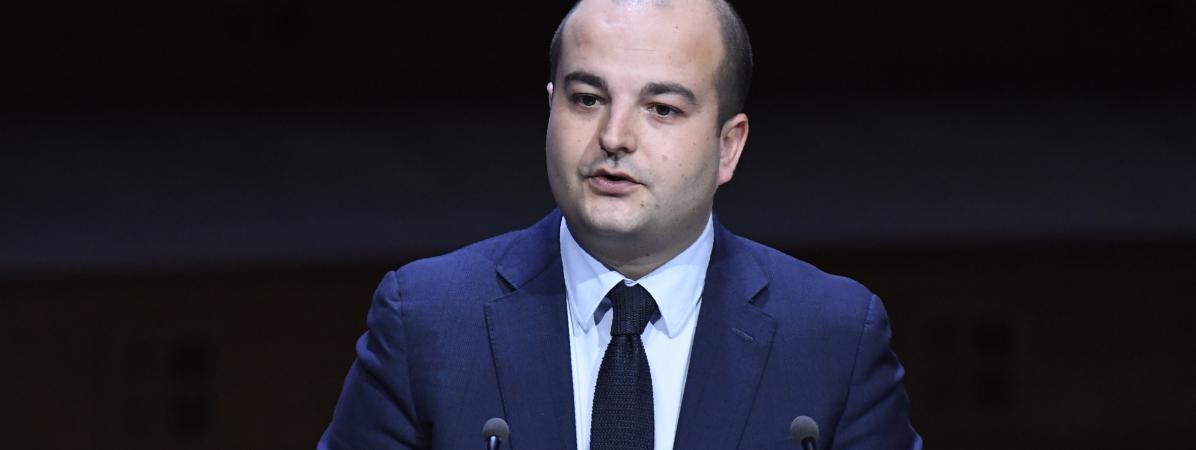 David Rachline, directeur de campagne de Marine Le Pen, devant l\'Association des maires de France, le 22 mars 2017.