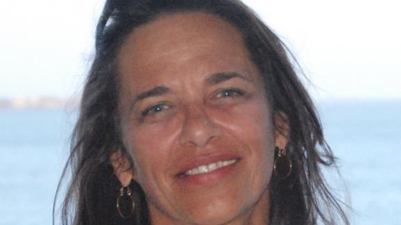"""Véronique Brigaud au Sénégal \""""Chaque salle servira à la projection mais aussi d\'atelier de montage pour les gens du cinéma \"""""""
