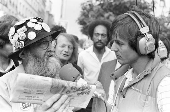 Nicolas Hulot, le 2 juillet 1982, en reportage à Paris pour France Inter.