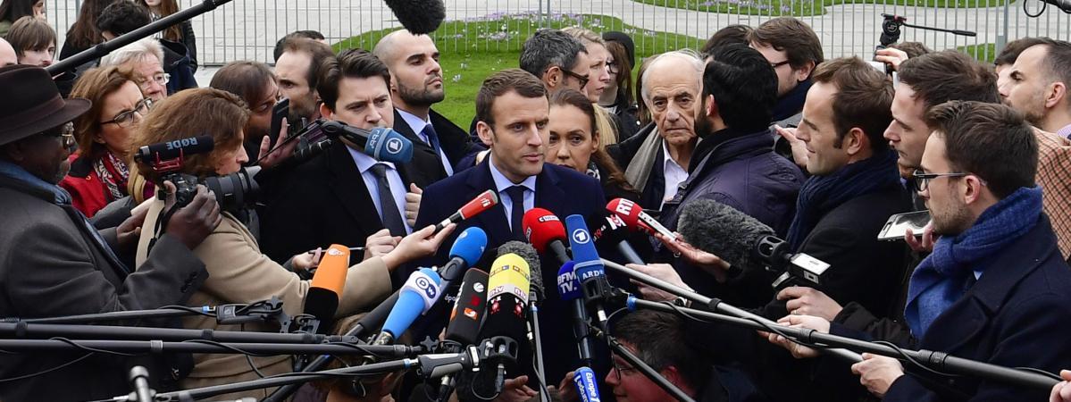 Emmanuel Macron s\'exprime face aux journalistes, le mardi 16 mai 2017, à Berlin (Allemagne).