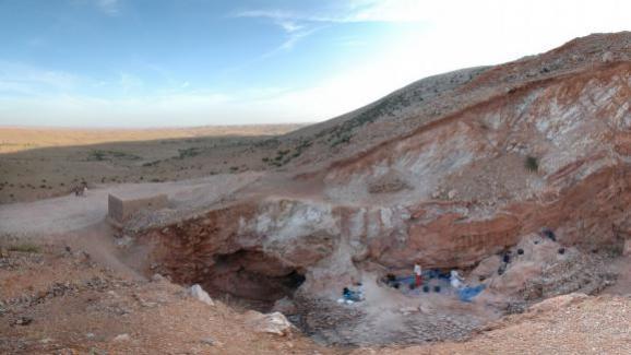 """Le sud du site de Jebel Irhoud, au Maroc, où une équipe internationale de chercheurs a découvert des restes de fossiles de l\'\""""Homo sapiens\"""" entre 2004 et 2016."""