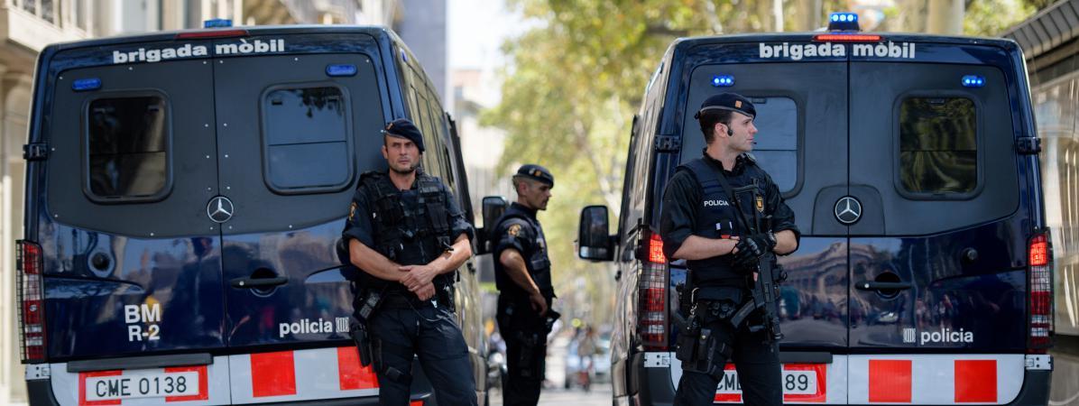 Des policiers près de La Rambla, à Barcelone, le 18 août 2017.
