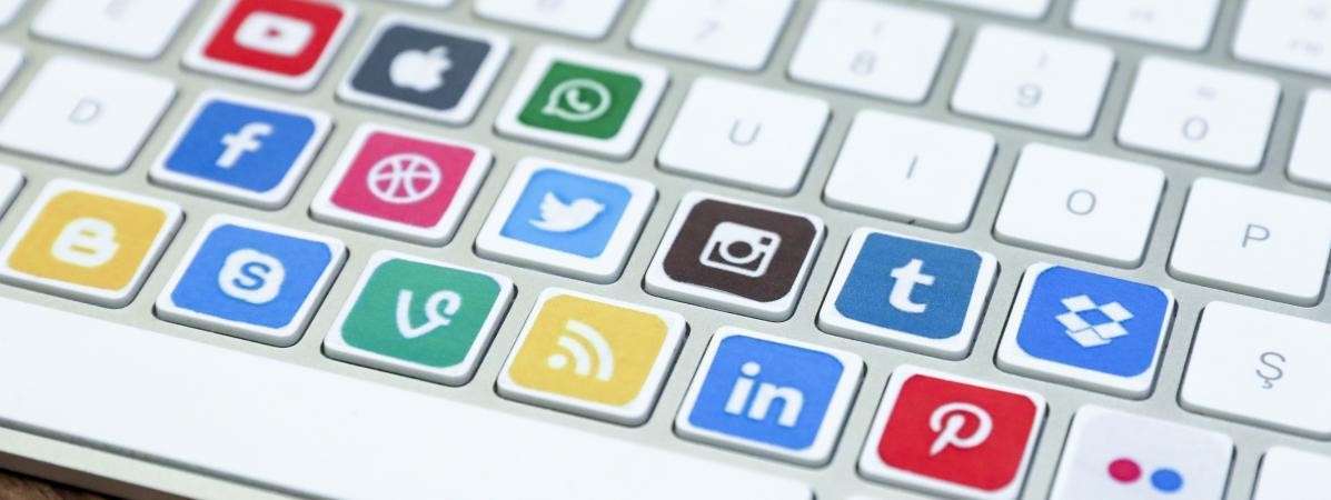 """Résultat de recherche d'images pour """"De plus en plus de gouvernements manipulent les réseaux sociaux, selon un rapport"""""""