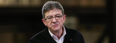 """Jean-Luc Mélenchon, alors candidat du parti d'extrême gauche \"""" La France insoumise \"""" pour les élections présidentielles 2017, tient un meeting à Périgueux, le 26 janvier 2017."""