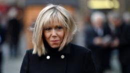 """VIDEO. """"Elle dénotait par rapport aux autres"""" : Brigitte Macron vue par ses anciens élèves"""