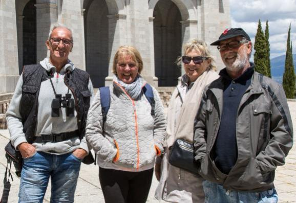 """Un groupe de quatre visiteurs français, venus de Bretagne et de Lorraine au \""""Valle de los Caídos\"""", mercredi 5 juin 2019."""