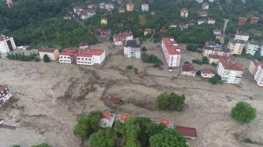 Une vue aérienne des inondations àKastamonu (Turquie) le 11 août 2021. (UMIT YORULMAZ / ANADOLU AGENCY / AFP)