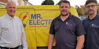 Jeff-Longley-and-his-two-sons-Dominic-and-Luke---Mr.-Electric-Birmingham-North