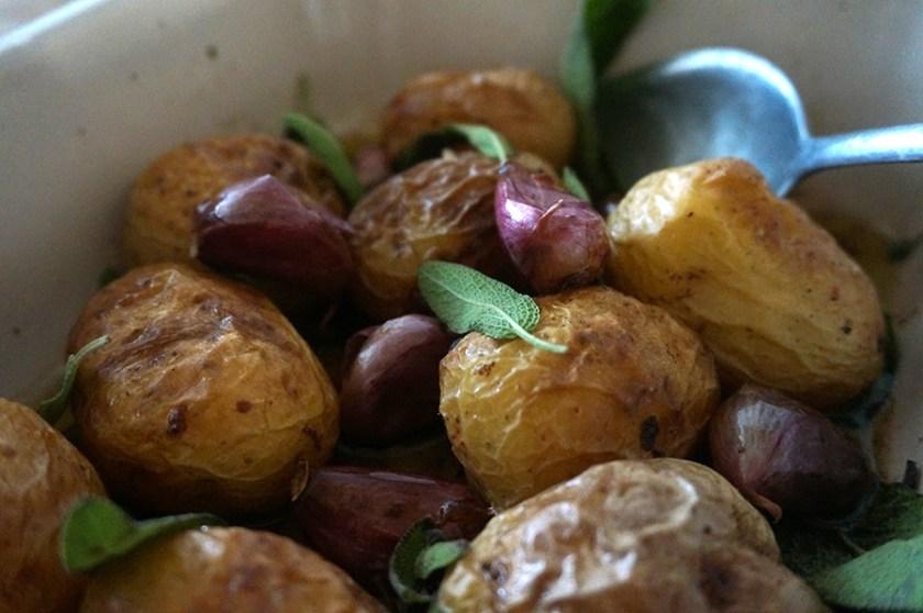 batata-assada-salvia-alho-2