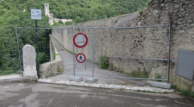 IL Ponte delle Torri in Spoleto voorlopig nog gesloten