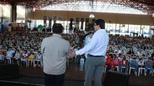 Prefeito Cantelmo Neto e o secretário de Educação, Viro de Graauw, abriram o evento na segunda-feira