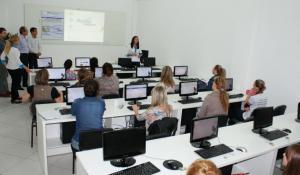 Todos os profissionais da educação passarão pelo Proinfo, lançado nesta quinta-feira em Beltrão