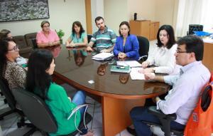 Prefeito Cantelmo Neto e a secretária de Saúde, Rose Guarda, oficializaram a entrega dos equipamentos a seis unidades de saúde