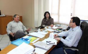 O prefeito de Marmeleiro e presidente do Ciruspar, Luiz Bandeira, foi recebeido nesta segunda pela secretária de Saúde, Rose Mari Guarda e pelo prefeito Cantelmo Neto para debater o caso