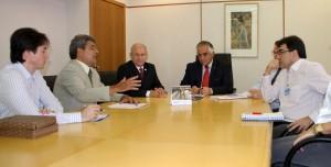 Em fevereiro de 2013, prefeito Cantelmo Neto e o deputado Ademar Traiano se reuniram com a direção da Sanepar para agilizar o processo de aquisição do terreno, que estava sub judice