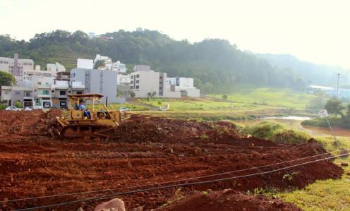 Parque do bairro Industrial está recebendo nova etapa de obras e nas próximas semanas poderá ser utilizado pela população