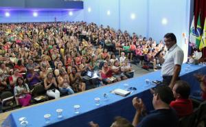 Prefeito Cantelmo Neto fez a abertura do ano letivo para educadores da rede municipal, que prossegue até esta terça-feira
