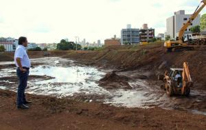 Prefeito Cantelmo Neto verificou nesta semana andamento da conclusão do parque Boa Vista, no Industrial