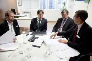 Secretário Viro de Graauw e o diretor Aldair Cambui participaram de audiência no FNDE com o deputado Assis do Couto
