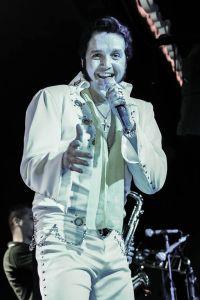O showman Rogério Cordoni fará um tributo a Elvis, incluindo no show clássicos nacionais e internacionais do rock