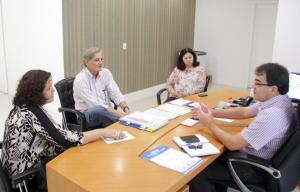 Representantes do Ministério da Saúde e UFPR foram recebidos nesta semana na Prefeitura; anúncio dos municípios contemplados pelo Mais Médicos acontece em julho