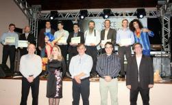 Geraldo Berton, Jovelina Chaves, Eduardo Scirea, prefeito Cantelmo Neto e Marcos Guerra em frente aos representantes das dez empresas com maior contribuição de ISS