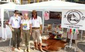 Weiny, Cristina e Paz estão expondo os produtos gauchescos que comercializam no calçadão, na Feira do MEI