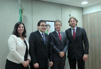 Reunião em Brasília com o ministro da Saúde, Arthur Chioro, tratou da abertura e manutenção da Upa e continuidade de projetos e obras no município