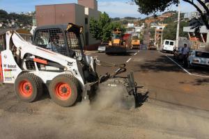 Na São Paulo, equipes fazem trabalho de recuperação da via; binário começará a funcionar em 20 de julho