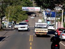 Na Romeu Lauro Werlang, faixas indicam a transformação da rua em mão única, no sentido do Industrial até o Centro